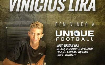 Vinicius Lira, lateral-esquerdo do Santos, é o novo cliente da Un1que Football