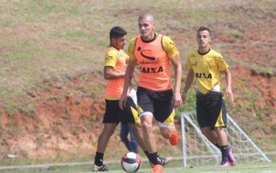 Antes de clássico pelo Criciúma, Raphael Silva é destaque no Globoesporte.com