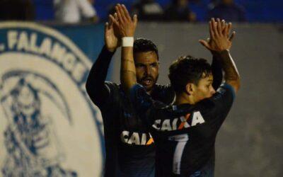 Com gol e assistência, atacante Artur brilha em goleada do Londrina sobre o Brasil-RS