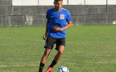 Com Vitinho, Corinthians faz último treino antes da estreia no Campeonato Brasileiro Sub-20