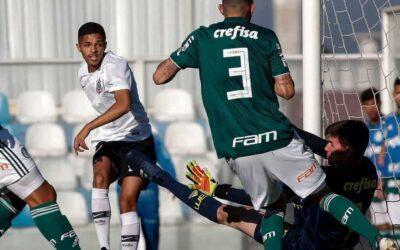 Com gol de Vitinho, Corinthians vence Palmeiras de virada. Guilherme Vieira marcou para o Verdão