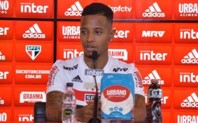 'Eu escolhi o São Paulo, e o São Paulo me escolheu', afirma Tchê Tchê em sua apresentação no São Paulo