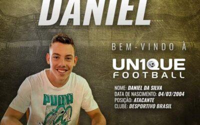 Daniel, atacante do Desportivo Brasil, é o novo cliente da Un1que Football