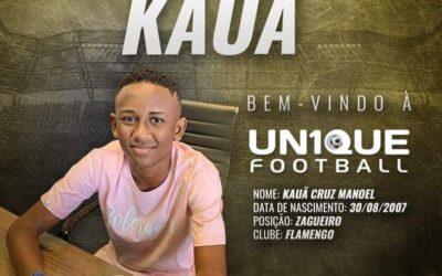 Kauã, zagueiro do Flamengo, é o novo cliente da Un1que Football